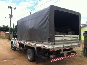 Aves lotaram um caminhão na Grande Florianópolis. Foto: Polícia Ambiental/Divulgação