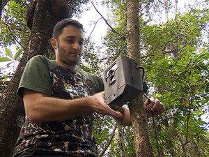Samuel instalou câmeras. Foto: Alexandre Sá/TG
